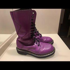 Dr. Martens Purple Vintage Boots!❤️💕Size 6